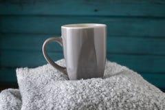 咖啡杯冬天 免版税图库摄影