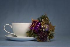 咖啡杯和小Boquet 10 免版税库存照片