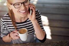 咖啡杯妇女 库存图片