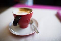 咖啡杯浅dof 免版税库存图片
