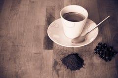 咖啡杯热的moka芳香木背景3 免版税库存照片
