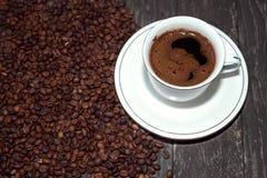 咖啡杯用咖啡豆 库存图片