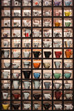 咖啡杯的汇集在主人的2013年在米兰,意大利 免版税库存图片