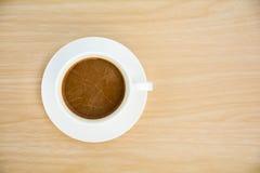 咖啡杯表木头 顶视图 库存照片