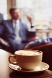 咖啡杯表 免版税库存图片