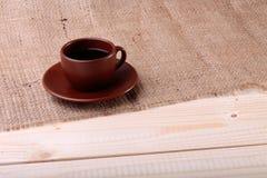 咖啡杯表 免版税库存照片