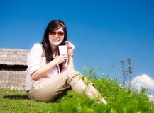 咖啡杯饮料妇女 免版税库存照片