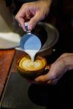 咖啡杯,在咖啡店的咖啡杯 图库摄影