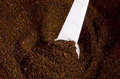 咖啡渣瓢 免版税库存照片