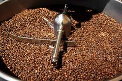 咖啡烘烤器机器 免版税库存照片