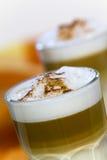 咖啡玻璃latte macchiato 免版税库存照片