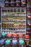 咖啡的各种各样的名牌在河内老处所,越南街道的待售  免版税库存图片