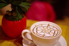 咖啡的Waitting 免版税图库摄影