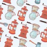 咖啡碾、喷泉咖啡壶和杯子,导航无缝的样式 库存照片