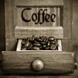 咖啡碾葡萄酒 免版税库存照片