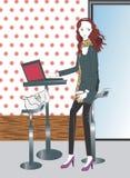 咖啡膝上型计算机妇女 免版税库存照片