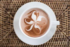 咖啡艺术蝴蝶树 免版税库存照片