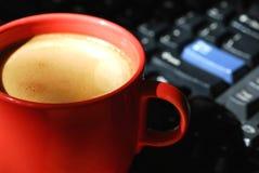 咖啡计算机 图库摄影