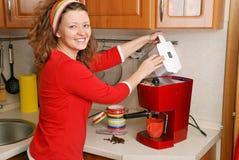 咖啡设备妇女 图库摄影