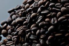 咖啡豆与芳香味道的咖啡因种子 免版税库存照片