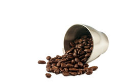 咖啡豆和咖啡杯 库存图片