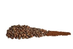 咖啡豆和碾碎的咖啡 免版税库存照片