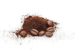 咖啡豆和粉末 库存图片