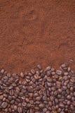 咖啡豆和粒子背景 库存照片