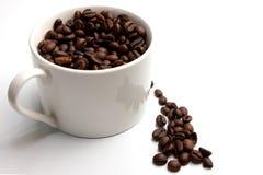咖啡豆和Coffe杯子 免版税图库摄影