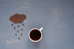咖啡豆雨 免版税图库摄影
