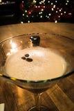 咖啡豆马蒂尼鸡尾酒 库存照片