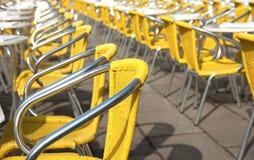 咖啡馆主持marco广场圣黄色 免版税库存照片