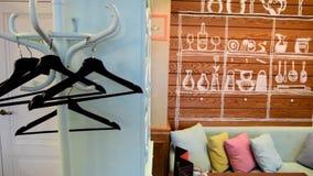 咖啡馆内部在乡村模式,淡色 影视素材