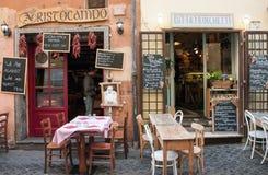 咖啡馆和餐馆在Trastevere区在罗马 图库摄影