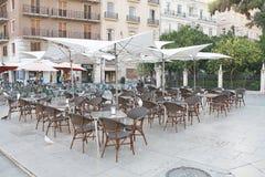 咖啡馆在公开广场 免版税库存照片