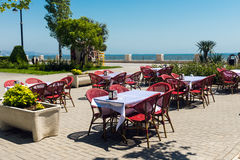 咖啡馆在海滨公园 免版税库存图片