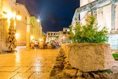 咖啡馆地区dicoletians宫殿外 免版税库存图片