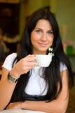 咖啡馆妇女 免版税库存图片