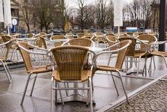 咖啡馆室外河沿 免版税库存图片