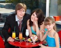 咖啡馆愉快儿童的系列 免版税库存照片