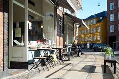 咖啡馆生活在哥本哈根 免版税库存照片