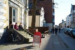 咖啡馆生活在哥本哈根 免版税库存图片