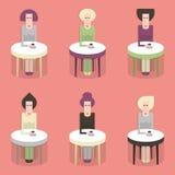 咖啡馆的妇女 免版税库存照片