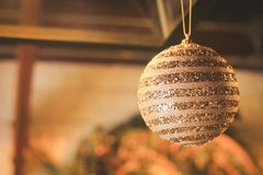 咖啡馆的室内装饰在圣诞节和新年节日期间 库存图片