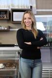 咖啡馆责任人女服务员 库存图片