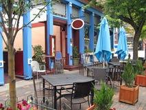 咖啡馆边路 免版税库存照片