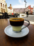 咖啡馆Bonbà ³ m espresso+condensed牛奶 免版税图库摄影