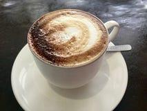 咖啡馆Latte 经典咖啡 皇族释放例证