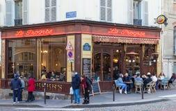 咖啡馆Le Progres是在蒙马特,巴黎,法国的一个咖啡馆 图库摄影