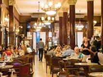 咖啡馆Tortoni在首都布宜诺斯艾利斯,阿根廷的市中心 库存照片